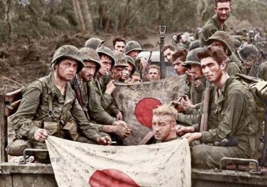 美军太平洋战争伤亡惨重 拒绝日军投降用喷火坦克烧|二战|太平