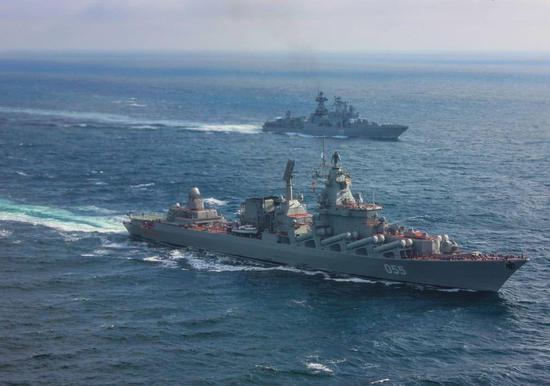 俄三大舰队赴叙进行大规模军演 警告美军舰立刻离开
