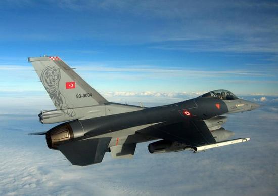 希腊幻影2000战机拦截土耳其军机时坠毁 飞行员遇难巴布熊童装