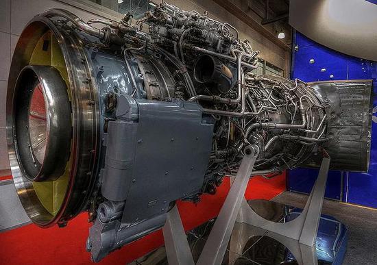 适用于Mi-26的 AI-136T涡轮轴