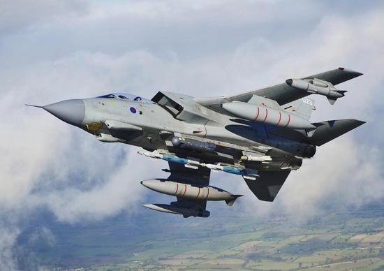 英国为打击叙利亚备战 核潜艇与战机准备就绪迢迢牵牛星教案