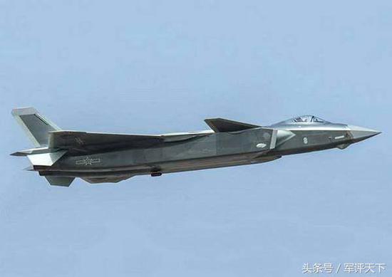 中国歼20战机生产力有待提高 这一装备或能提高效率