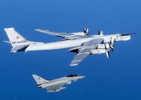 英国台风战机部署俄家门口挑衅 俄轰炸起飞就拦截