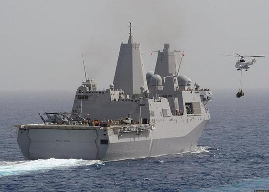 ▲圣安东尼奥级船坞登陆舰