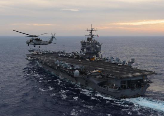 """中国旧潜艇在这国逆袭 躲过美航母""""击沉""""北约战舰"""