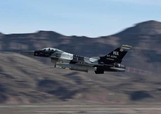印空军豪掷150亿美元进口战机 入役时或已落后一代