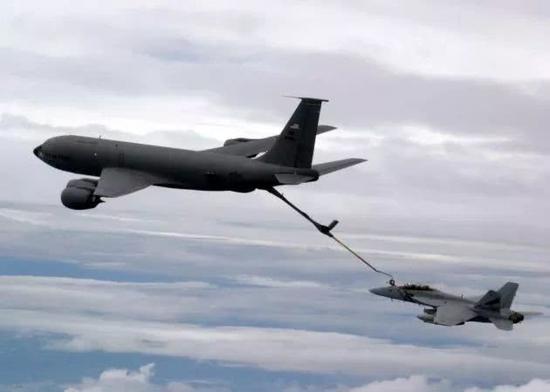 女的玩博彩·伊朗防长:周三公布新国产战机 继续发展导弹能力