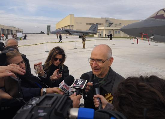 意大利空军司令兴高采烈的宣布本国F-35A形成IOC 图源:意大利空军