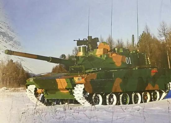 <b>央视罕见曝光15式轻型坦克细节 或将参加国庆阅兵</b>