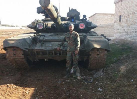 美媒:叙政府军T90坦克被击毁 多因操作不当指挥混乱