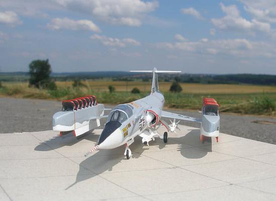 美军曾疯狂研制垂直起降战机 一实验机型装15台发动机