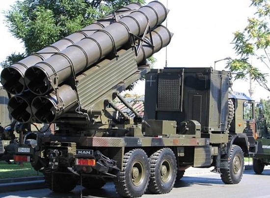 中国与白俄合研火箭炮将出口阿塞拜疆 射程200公里cad乘号