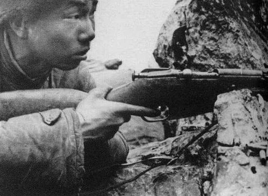 揭秘中国第一狙击手:无光学瞄具仍32天毙敌214人