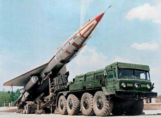 """图片:图-123""""鹰""""战略无人侦察机。"""