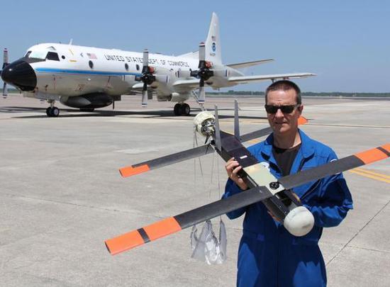 图为用于飓风调查的雷声公司Coyote无人机。
