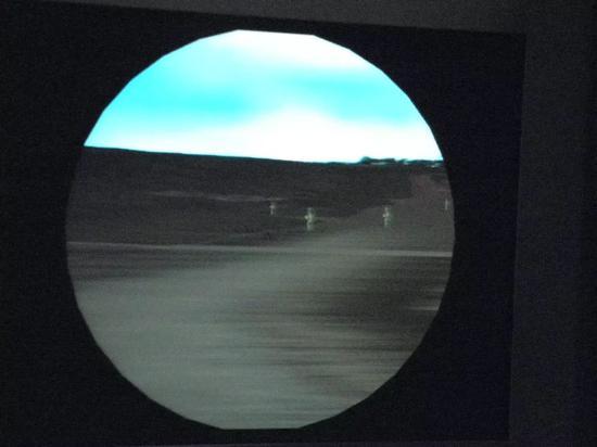 相比当年在军博展示的这个04式步兵战车模拟器,虚拟练兵的程度可谓10年一进步