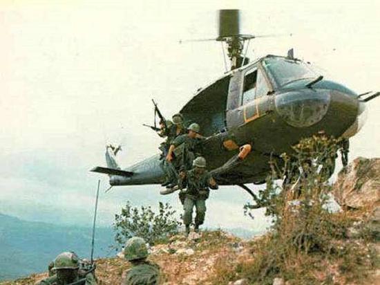 UH1直升机