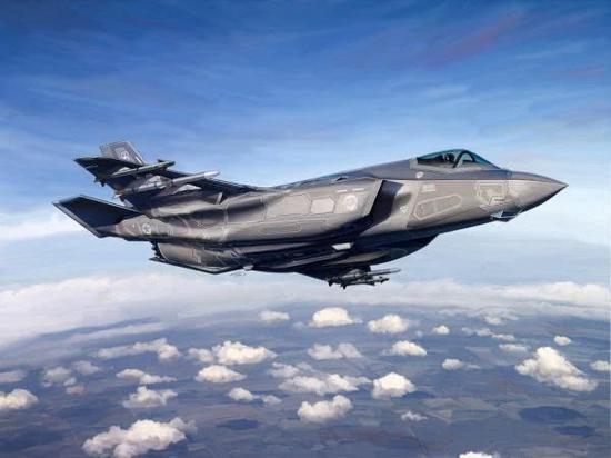 美专家反对德军继续装备台风战机 要求德国购美F35