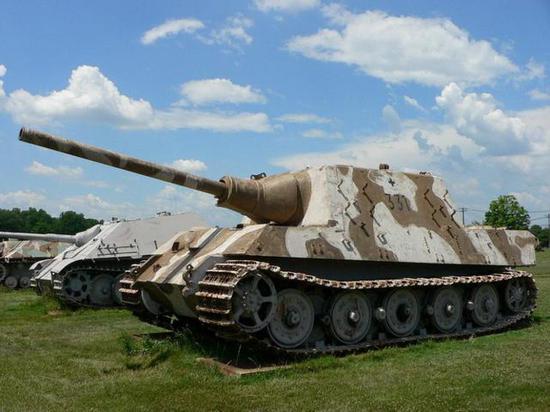 二战最大反坦克炮猎虎炮128mm主 不如现代轮式突击炮