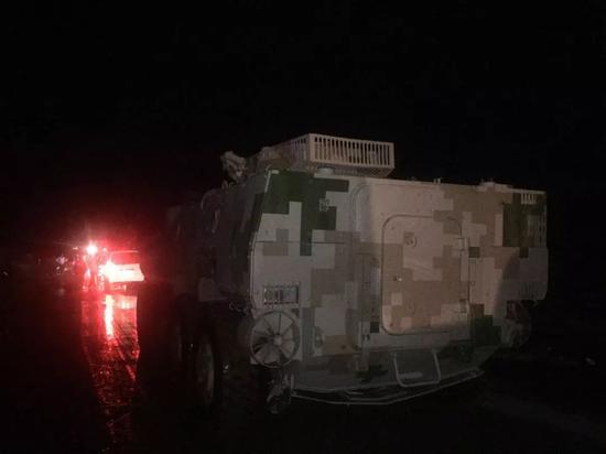 中国兵器轮式装甲战车驰援包头 开赴一线抗洪救灾