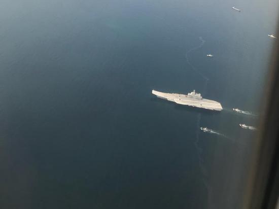 我国产航母已具备战机起降能力 机库载3款模型机出海