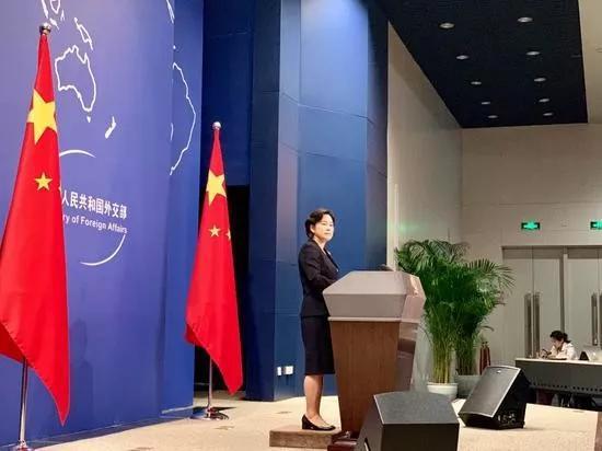 华春莹反问香港记者:英殖民时期香港有游行自由吗?