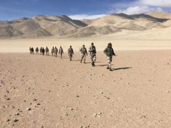 《【摩登2娱乐登录地址】印媒:印军在实控线设置带刺铁丝网 向中方发出警告》