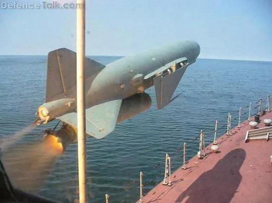 """渐行渐远的""""导弹驱逐舰象征"""" """"海鹰""""留下怎样的记忆"""