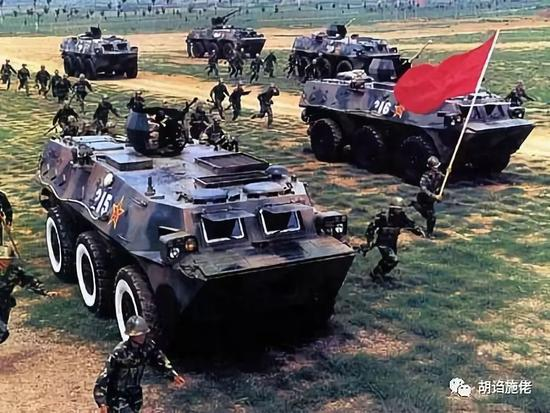 我四种炮塔与三种底盘组合 想凑个正经步战车不容易