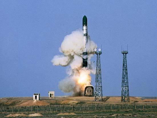 俄宣布布拉瓦潜射导弹投入使用 携10枚核弹头力压北约