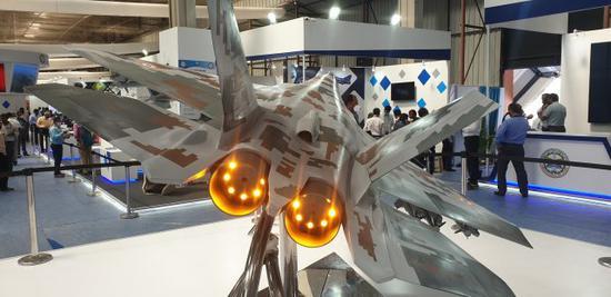 印度隐身战机模型亮相航展被吐槽:山寨中国FC31