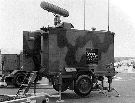 """""""霍克""""导弹系统的连指挥车"""