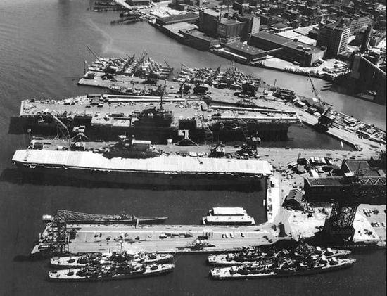 当时的美军航母编队战力极强