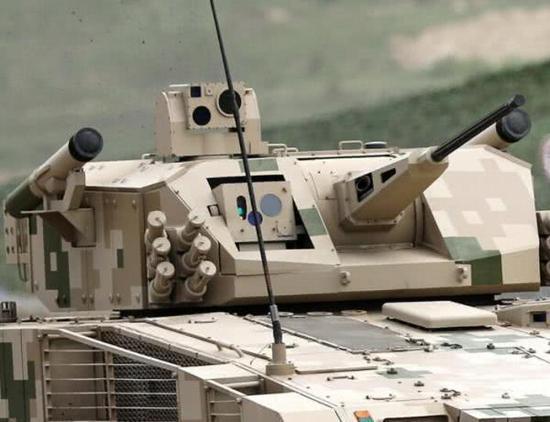 中国无人炮塔战车威力十足 配新导弹可击穿1米厚装甲
