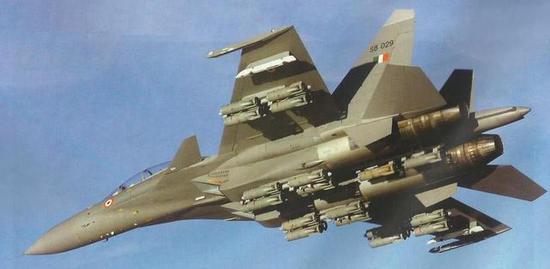 苏30MKI是印度空军的炸弹卡车,载弹量高达8吨