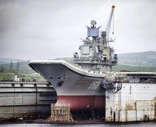 俄高官宣称将派百艘战舰巡弋世界 美航母不敢靠近