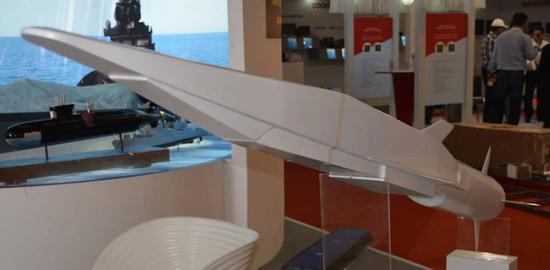 俄试射锆石高超音速武器 专家:或是仿制中国东风17