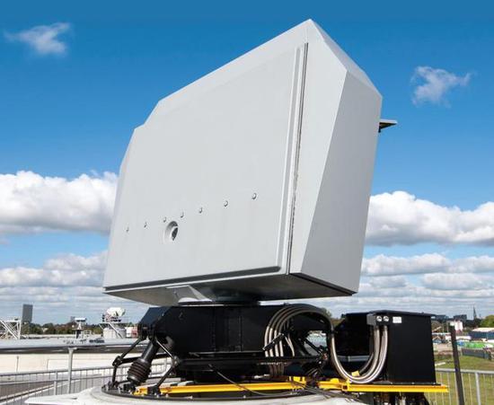 这是塔利斯公司开发的空面搜索4D雷达,性能非常先进