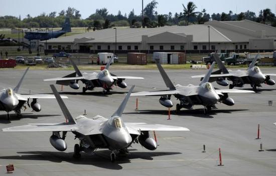 害怕中国歼20:美国会表态本财年或将重启F22生产线