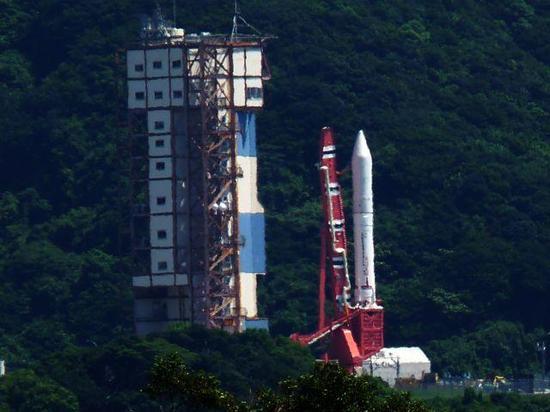 日本超级火箭刚刚发射就被锁定:中国亮出战机早埋伏当场发现有诈