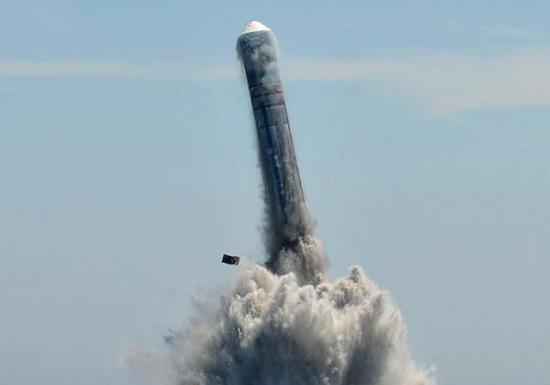 沙漠上空常能听到神秘爆炸声:中国核导弹卧薪尝胆十年 就该这样