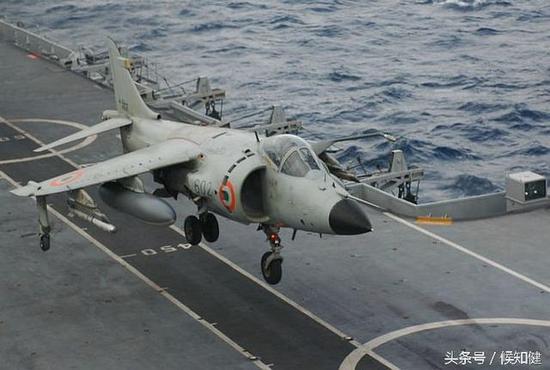 战略海军!45年前,印度用航母打掉巴基斯坦14万平方公里国土
