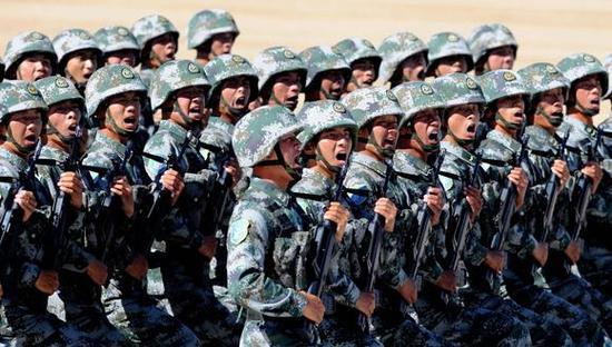 中国按现在这个速度发展并装备尖端武器 不用五年就能击败美军