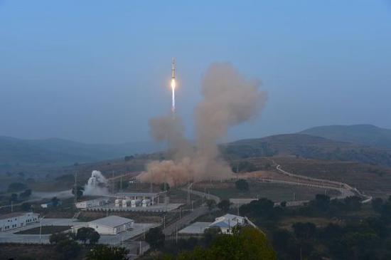 让美国5万人以上城镇上空都悬一颗核弹 中国东风41导弹能做到