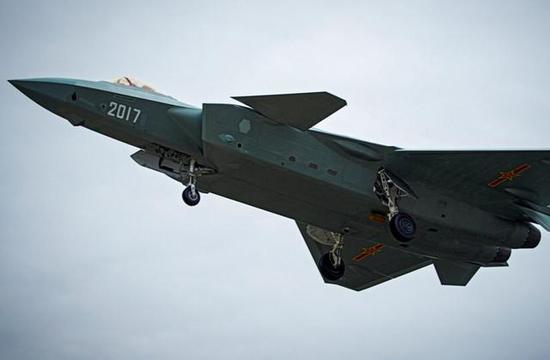 美国空军史上最贵的战机拟在亚太部署,中国军事专家表态让人放心