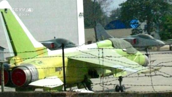 中国新飞豹战机亮相,航电升级可带鹰击-12反舰导弹成航母杀手