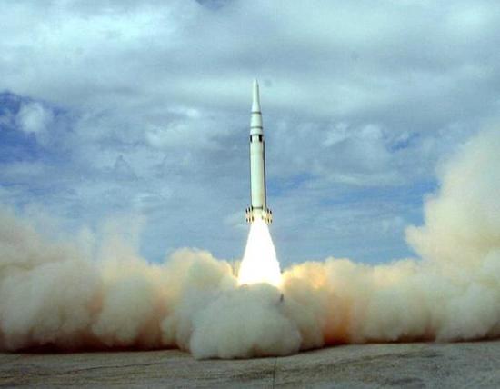 美国萨德系统真的无人能敌吗,东风15导弹密集钢雨随时准备反击