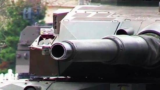 我军99坦克行进时炮管晃动 是炮控系统不过关还是其他什么原因