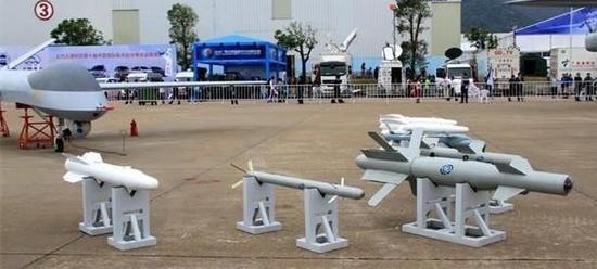 仅重20公斤 速度2马赫 射程6000米 中国武直可挂16枚