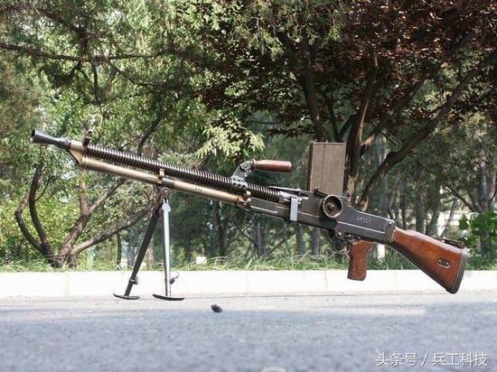 军事枪械--深度:我国曾研制出神秘双管机枪 但为何没能装备